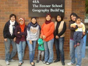 Bersama sesama mahasiswa indonesia di ANU